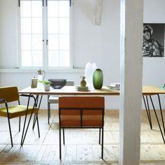 Creeër een #Scandinavische look met de nieuwe collectie van #FESTAmsterdam in je #eetkamer Zie hier de Ray tafel en de Monday Armchair stoelen  Verkrijgbaar bij #Flindersdesign #wonen #interieur #modern #design