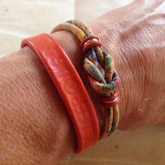 Vegan Portuguese cork Celtic knot bracelet with a feminine floral touch. 🌺🌸🌼
