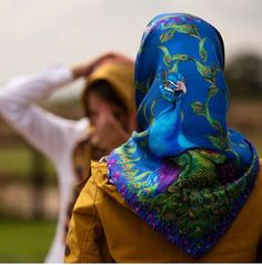 Head Scarf Tying, Head Scarfs, We Wear, How To Wear, Silk Scarves, Womens Scarves, Compliments, Going Out, Feminine