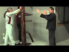 Wing Chun Muk Jong (Wooden Dummy) Beginners Training Drill Developing One Technique - YouTube