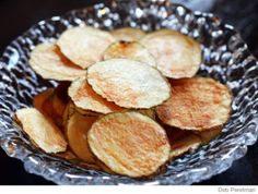 5 minute potato chips (no oil!) in the microwave. Just tried making these. Blown away by how good they are. The kids love them!