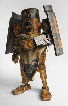 Photos of the EMGY Caesar toy from the World War Robot Collection by ThreeA based on designs from Ashley Wood.