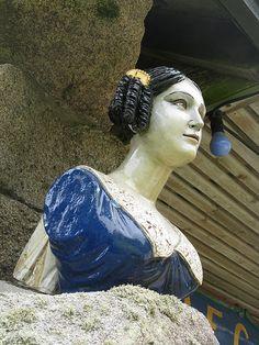 Ship's figurehead in the Valhalla Figurehead Collection, Tresco Abbey Gardens