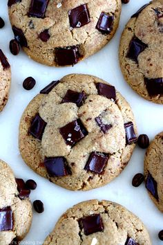Hands down on these thick, nutty and generous cookies made with brown butter, coffee and tahini that brings an additional chewy texture. Skillet Chocolate Chip Cookie, Chocolate Biscuits, Chocolate Recipes, Chocolate Chip Cookies, Tahini, Sin Gluten, Chip Cookie Recipe, Cookie Recipes, Levain Cookies