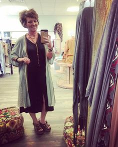 Favorite of the day  Love this slit front Tunic paired with a kimono on top! Add your favorite wedges or skinnies to complete your look! Stop and see us 1030-530! #thefleurtygingerboutique #northlouisianasplussizeheadquarters #shoplocal #shoptfgb #ootd