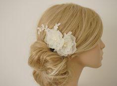 """Braut Haarkamm """"Freya"""" Blüten, Spitze,ivory von Elizabethmode auf DaWanda.com"""