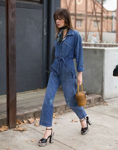 O Novo Macacão Jeans