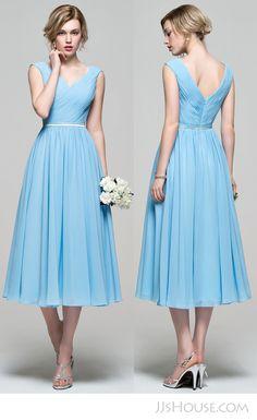 Perfect v-neck bridesmaid dress.   #JJsHouse #JJsHouseBridesmaidDress
