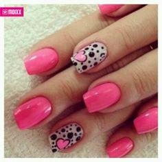 Fantástico pintado de uñas :D *-*