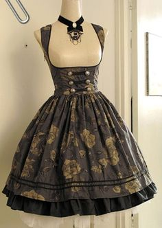 A lovely Classic Lolita dress.