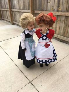 Little girls Halloween costumes Lucy & Ethel These adorable babies below are rocking the show! Check out the cute baby wearing Halloween costumes. Little Girl Halloween Costumes, Looks Halloween, Halloween Kids, Infant Halloween, Homemade Halloween, Cute Costumes For Kids, Baby Costumes For Girls, Funny Toddler Costumes, Halloween Costumes For Sisters