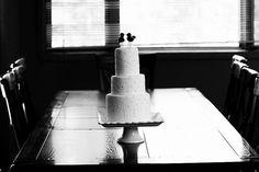 Birds on a wedding cake.