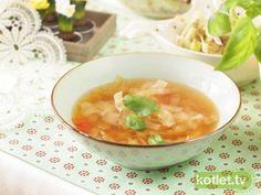Zupa kapuściana  http://kotlet.tv/zupa-kapusciana/