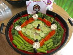 Baseball Field veggie tray for baseball birthday party theme Softball Party, Baseball Birthday Party, 1st Birthday Parties, Birthday Ideas, Kylie Birthday, Theme Parties, 3rd Birthday, Veggie Platters, Veggie Tray