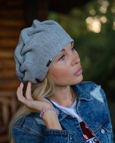 Accessories Knitting Beanie Hat Yarns New IdeasYou can find Yarns and more on our website.Accessories Knitting Beanie Hat Yarns New Ideas Christmas Gift Knitting Patterns, Baby Knitting Patterns, Lace Knitting, Knitting Daily, Knitting Ideas, Knit Beanie Hat, Beanie Pattern, Crochet Beret, Knitted Hats