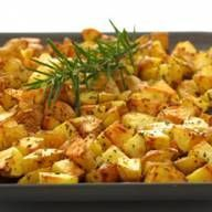 Oven-roasted Potatoes with Garlic and Rosemary: Delia Smith online Rosemary Potatoes, Oven Roasted Potatoes, Perfect Roast Potatoes, Rosemary Recipes, Garlic Recipes, Roast Recipes, Recipes Dinner, Cooking Recipes, Healthy Recipes