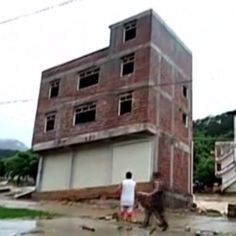 25 MAY: Watch an entire building collapse due to floods in southern China. The building has collapsed after flooding hit Rongxian county in Guangxi Zhuang Autonomous Region - there were no reports of injuries. Watch more: bbc.in/collapse #China #Floods #Rongxian #Building #Construction #BBCShorts @BBCNews by bbcnews
