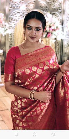 Silk Saree Banarasi, Indian Silk Sarees, Indian Beauty Saree, Saree Blouse Patterns, Saree Blouse Designs, Latest Indian Fashion Trends, Saree Designs Party Wear, Wedding Saree Collection, Modern Saree