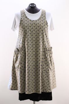 Prettyvintage blue floral will look wonderful with anything you wear. No Tie Apron  looks great on everyone.