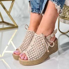 Sandale Cu Platforma Erzebet Beige Espadrilles, Wedges, Shoes, Fashion, Espadrilles Outfit, Zapatos, Moda, Shoes Outlet, La Mode