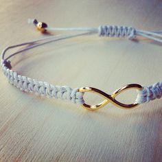 Infinity bracelet on Etsy, 5,00€