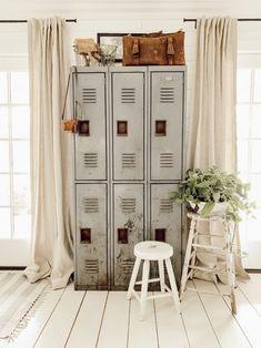 Vintage Home Decor For More Traditional Interior Design Home Decor Styles, Farmhouse Decor, Country Decor, Vintage Home Decor, Vintage House, Home Decor, Rustic Home Decor, Traditional Interior Design, Rustic House