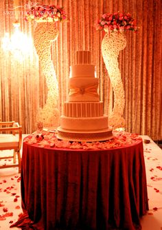 Sweet Hollywood Is A London Based Luxury Wedding Cake Designer Serving 5 Star