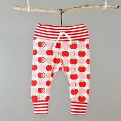 Baby leggings pattern .pdf file Easy photo by brindilleandtwig