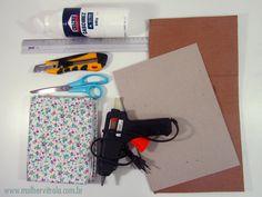 moldura-papelao- porta-retrato #DIY #Artesanato coisas fofas da @Renata Montenegro http://mulhervitrola.com.br/2013/09/como-fazer-molduras-de-papelao-forradas-com-feltro-e-poster-de-gatinho-para-download/#.UjSnsGTF1vY