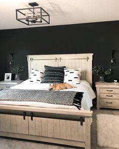 Black Master Bedroom, White Bedroom Decor, Master Bedroom Makeover, Master Bedroom Design, Dream Bedroom, Home Bedroom, Black Bedroom Walls, Master Bedroom Decorating Ideas, Adult Bedroom Ideas