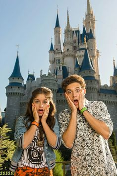 Find images and videos about wallpaper, soy luna and ruggero pasquarelli on We Heart It - the app to get lost in what you love. New Disney Channel Shows, Spanish Tv Shows, Love Moon, Son Luna, Disney Stars, Fans, Best Couple, Favorite Tv Shows, Celebs