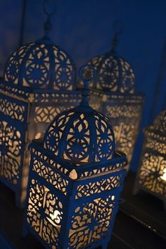 midnight blue and nude Ramadan Decoration, Decoration Table, Moroccan Lanterns, Moroccan Decor, Moroccan Style, Gold Bedroom, Bedroom Decor, Middle Eastern Decor, Up House