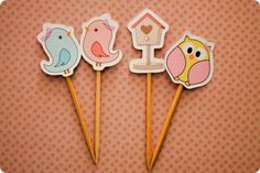 Festa Pronta - Jardim - Tuty - Arte & Mimos www.tuty.com.br Que tal usar esta inspiração para a próxima festa? Entre em contato com a gente! www.tuty.com.br #festa #personalizada #party #tuty #aniversario #bday #rosa #cupcakes #pink #pássaro #bird #borboleta #butterfly #flores #flower #jardim #garden