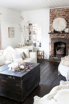 Chic home decor country rustic chic decor images country chic home decor modern chic home decor . chic home decor Shabby Chic Living Room, Home Living Room, Living Room Decor, Living Spaces, Cottage Living, Cozy Living, Apartment Living, Cottage Style, Cozy Cottage