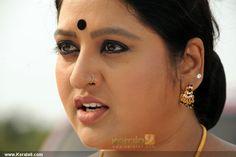 Indian Actress Hot Pics, South Indian Actress Hot, Most Beautiful Indian Actress, Beautiful Asian Women, Indian Long Hair Braid, Braids For Long Hair, Aunty Desi Hot, Aunty In Saree, Women Seeking Men