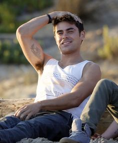 Shirtless Zac Efron on 'We Are Your Friends' Set