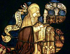 Das Glasfenster zeigt Hildegard von Bingen als Komponistin