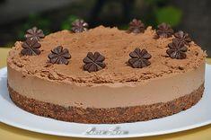 Tort de ciocolata fara coacere | Retete culinare cu Laura Sava - Cele mai bune retete pentru intreaga familie Tiramisu, Cheesecake, Deserts, Good Food, Cooking Recipes, Sweets, Food And Drink, Mai, Ethnic Recipes