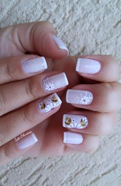 Resultado de imagen para unhas francesinha com flor Nail Deco, Burgundy Nails, Cute Nail Designs, Flower Nails, French Nails, Manicure And Pedicure, Toe Nails, Beauty Nails, Pretty Nails