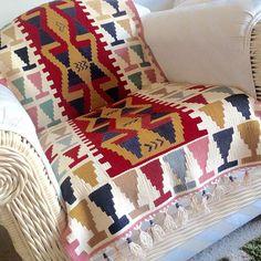 kilim rug as chair cover Jute Rug, Kilim Rugs, Wool Carpet, Natural Rug, Handmade Rugs, Weaving, Quilts, Blanket, Interior Design