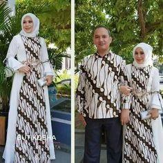 Batik Fashion, Abaya Fashion, Kebaya Muslim, Brokat, Batik Dress, Fashion Show, Party Dress, Vogue, Stylish