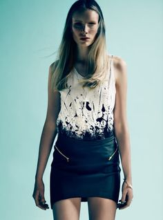 #DIY dip dyed and splattered white shirt with ink or dye @Rachel Dolphin