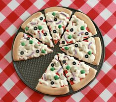 Looks like pizza, but it's actually cookies