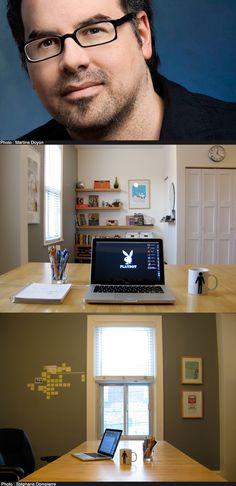 | Bureau d'écriture de Stéphane Dompierre | « Frisson l'écureuil est caché dans cette image. J'aime le minimalisme, l'art visuel et les Post-it. »