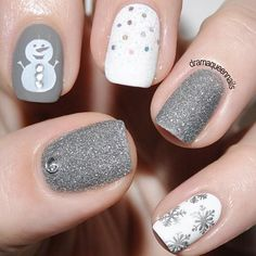 Christmas nails designs are supposed to instantly turn your mood into festive one and accompany you during the heart-warming days spent with your close ones. #nails #nailart #naildesign #christmasnails
