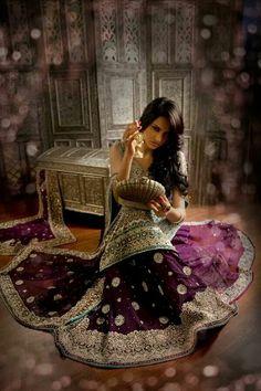 Fashion Pakistan. Model: Fiza Ali