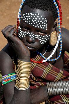 Africa | Mursi girl.  Ethiopia