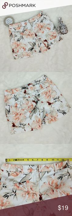 """White House Black Market Floral Shorts New beautiful peach, brown, dark red, and taupe floral print shorts on a white background. Shorts have all pockets sewn shut. Shorts are 97% cotton and 3% Spandex. Shorts have a 4.5"""" inseam and 8.5"""" rise. White House Black Market Shorts"""