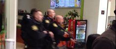 InfoNavWeb                       Informação, Notícias,Videos, Diversão, Games e Tecnologia.  : Homem faz disparos dentro de loja da Apple nos EUA...