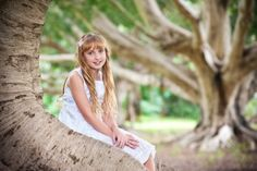 For family photography Brisbane Northside there are some fantastic locations to choose from. My favourites are Shorncliffe, Newfarm and Petrie to name a few. Brisbane, Family Portraits, Family Photography, Families, Kiss, Studio, Couple Photos, Nature, Extended Family Photography